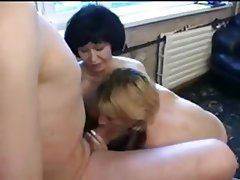 Amateur Old and Young Threesome