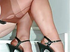 Foot Fetish Lingerie MILF Pantyhose Stockings