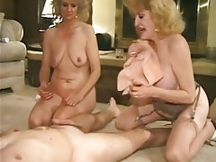 Granny anal sex clips