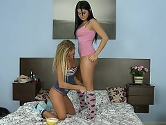 Amateur Babe Blonde Brunette Cute