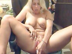 Blonde Masturbation MILF