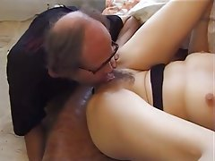 Amateur Cunnilingus Hairy Old and Young Teen